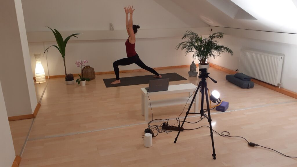Yoga Online Kurs im Live Stream via Zoom
